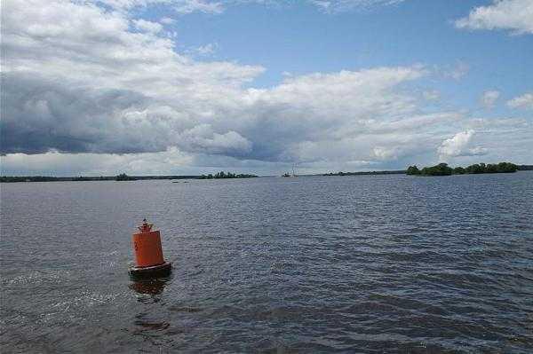 Водохранилище Рыбинское: отдых и рыбалка на свежем воздухе