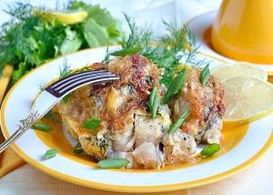 Запеченная рыба под омлетно-сырной корочкой